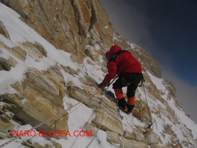 طناب ثابتهای ارتفاع 6800 زیر قله- بازگشت